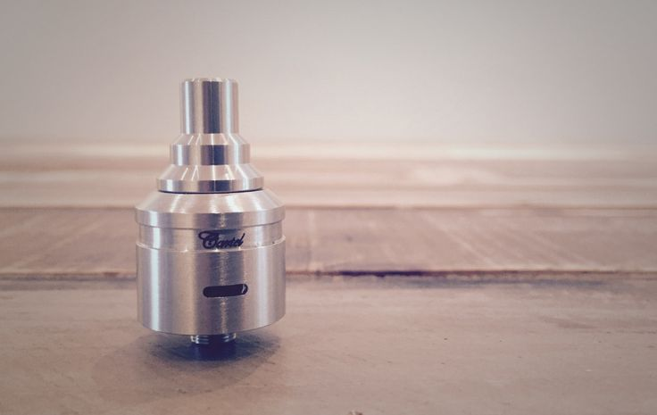 The Cascata caught our eye the second it was announced, it has a unique design and a very clean look. We are always interested in trying new RDAs that take a new and different approach. That said, the fresh thinking and design deserve props but it doesn't really deliver an outstanding vape.