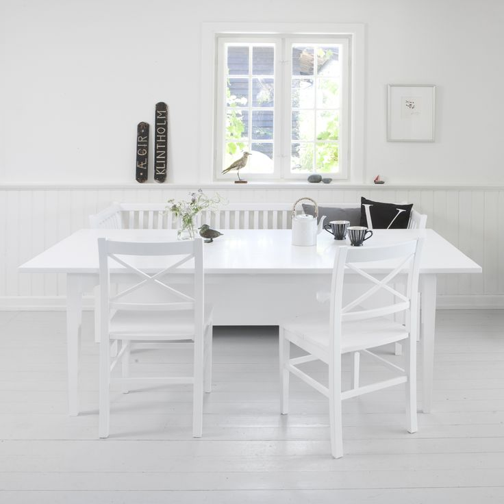 Dining table white, Oliver Furniure Denmark.  www.oliverfurniture.com