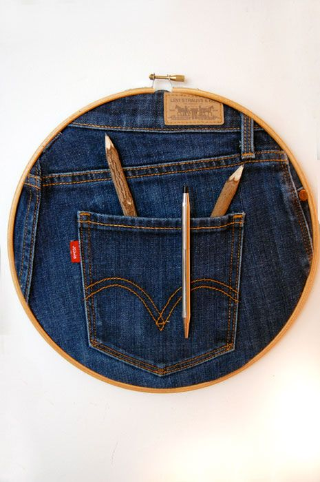 Great wall pocket for pens/pencils from embroidery hoop and jeans!