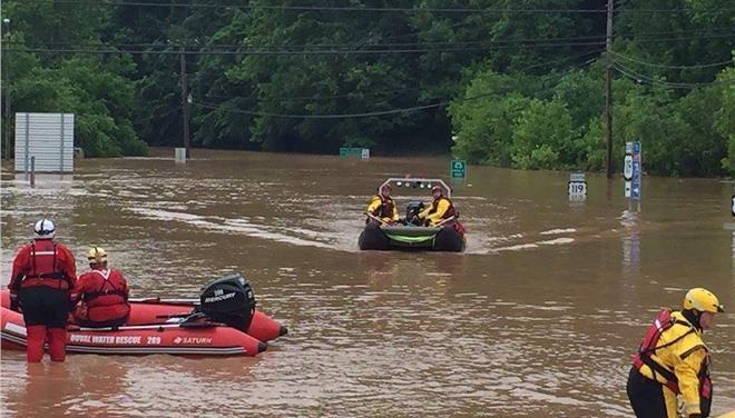 Τουλάχιστον 20 νεκροί από τις πλημμύρες στη Δυτική Βιρτζίνια > http://arenafm.gr/?p=206403