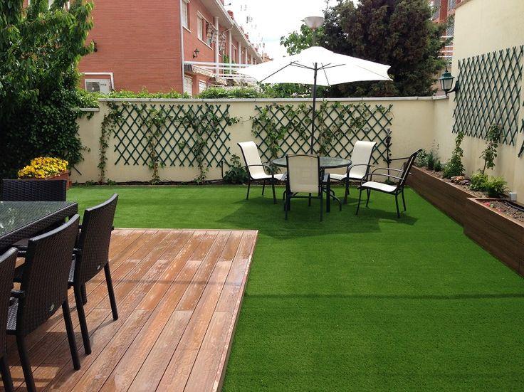 Cómo colocar césped artificial en tu jardín - https://www.decoora.com/como-colocar-cesped-artificial-en-tu-jardin/