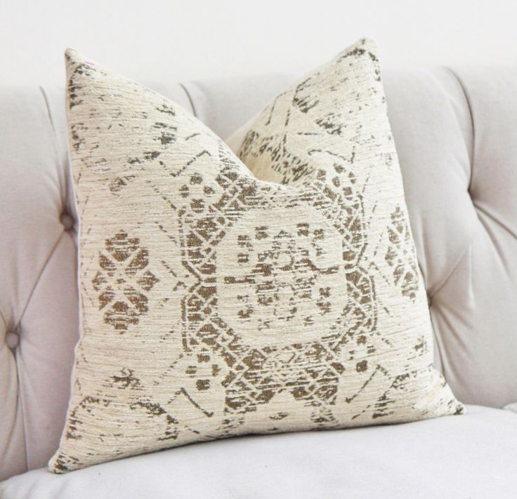Ivory Pillow - Creme Beige Medallion Pillow Cover - Moroccan Throw Pillow - Shabby Chic Pillow