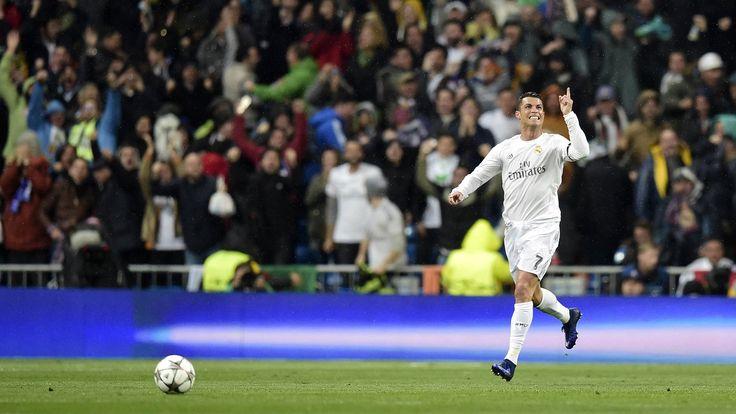 @RealMadrid El portugués Cristiano Ronaldo firma un #Hattrick en el Bernabéu para que los blancos se instalen en las Semifinales de la #ChampionsLeague #9ine