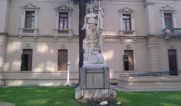 Las estatuas de Lola Mora