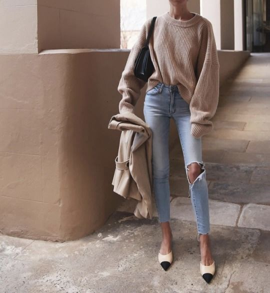Best outfits begin with good high waisted skinny jeans. These ripped skinny jean…