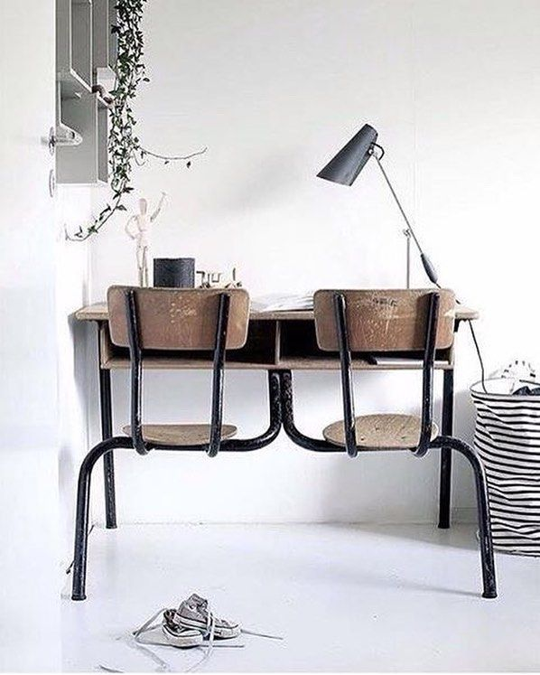 Vintage desk I absolutely adore this cute little setup. The perfect combination of a modern space with the history of this lovely desk of yesteryear. These vintage elements with a good bit of patina and the white space is a total winner... Spotted: The Birdy lamp by @northernlighting - the perfect link between old and new. Image via @designlykke ------------------------- #birdylamp #vintage #vintagedesk #retro #desk #kidsroom #deskspace #workspace #workplace #workplaceinspo…