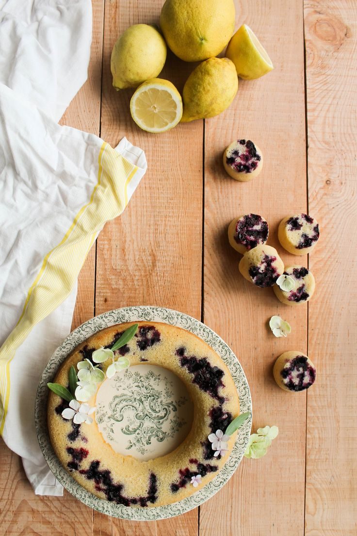 I must confess to you that at the base, I'm not a fan of lemon cake while I love the lemon, to the point that I eat it raw ! To take care of myself, I try to find different combinations and dosages light and it is the case of this lemon cake all fluffy....  Read more »