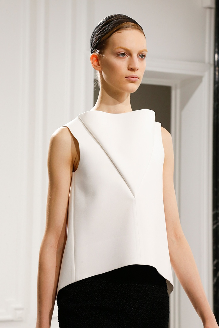 Balenciaga Fall 2013 RTW - Review - Fashion Week - Runway, Fashion Shows and Collections - Vogue - Vogue