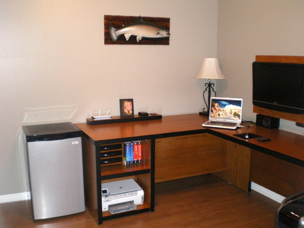 Custom computer desk from old doors- I wish I was this handy