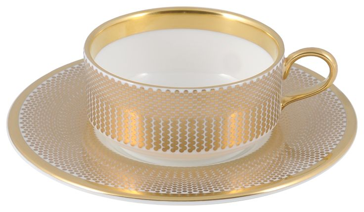 Mocha Cup & Saucer taken from the beautiful 'Benday Gold' range, hand finished with 22kt Gold gilding. Hand made in Stoke-on-Trent, England. A collection that is inspired by Benjamin Day: 'our homage to the dot'. Handwash Only, Fine Bone China. Find out more here: https://thenewenglish.co.uk/collections/benday-gold  #TheNewEnglish #Benday #Gold