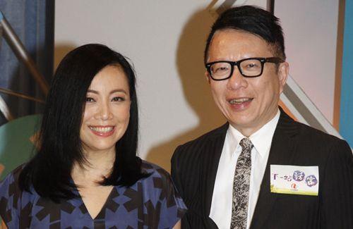 Sheren Tang filmed for an ATV program and shared her perspectives on never giving up in life, despite numerous setbacks.