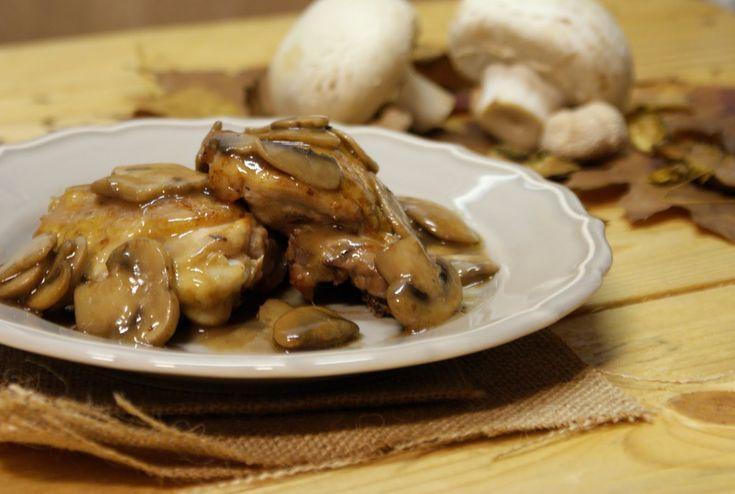 Um aveludado e delicioso molho de cogumelos. Uma receita de confeção muito simples