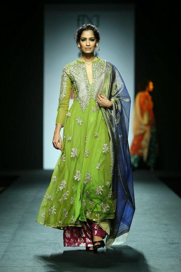 Fashion: Vineet Bahl Show at Wills Lifestyle India Fashion Week 2014