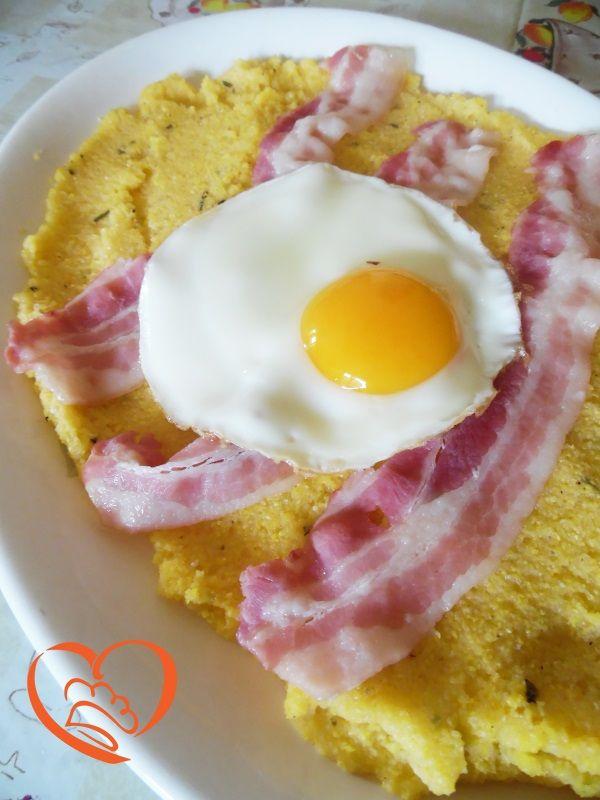 Polenta, uova e bacon http://www.cuocaperpassione.it/ricetta/8f2a1f4c-9f72-6375-b10c-ff0000780917/Polenta_uova_e_bacon