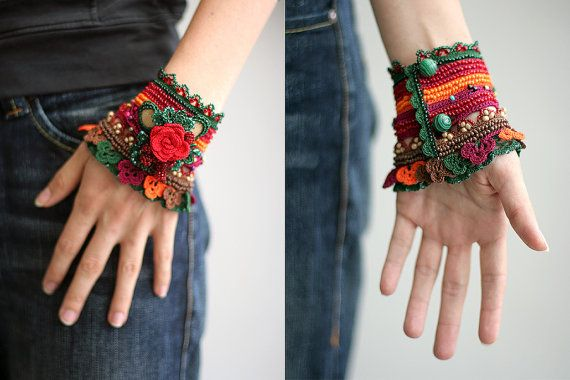 Crochet cuff with red rose and malachite buttons