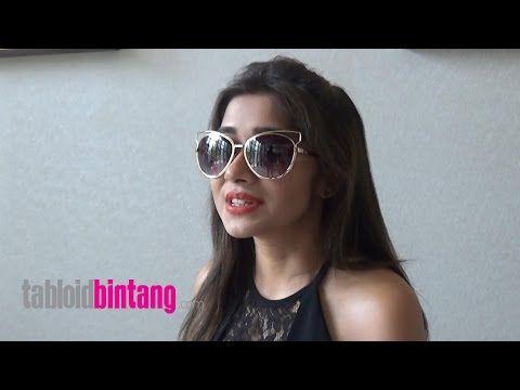 Tina Dutta Bangga Disambut Penggemar Indonesia - YouTube