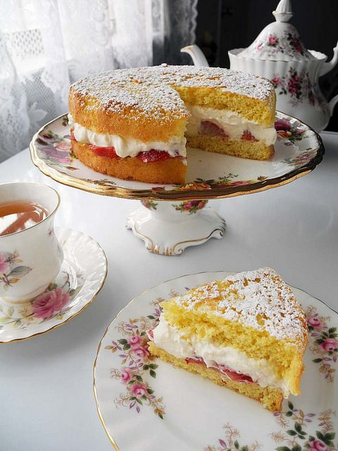 Homemade Victoria Sponge Cake with Darjeeling Tea