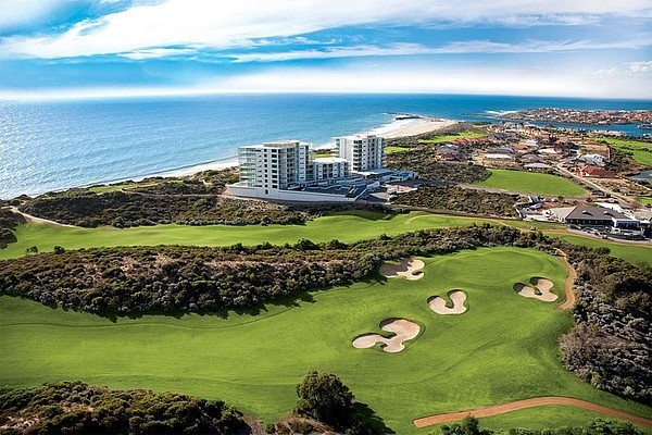 The Cut Golf Course, Dawesville, Perth (Oceanique Apartments in the background), love coming back to this area
