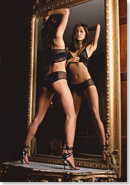 sexy pictures with mirrors