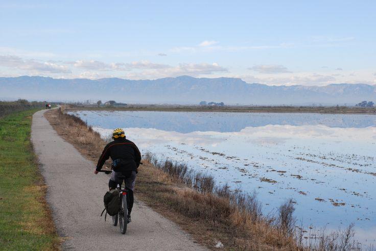 Descobreix noves rutes per fer esport a l'aire lliure o senderisme gaudint de la natura.