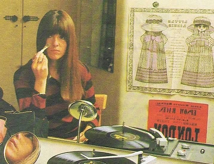 Cathy McGowan digs the records...