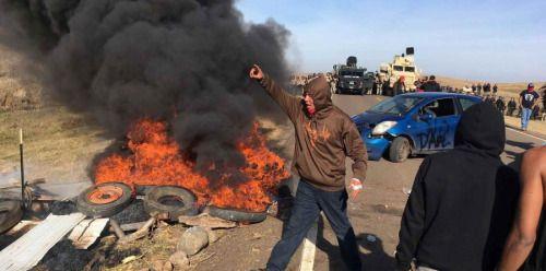 Arrestan a manifestantes contra oleoducto en Dakota del Norte -...