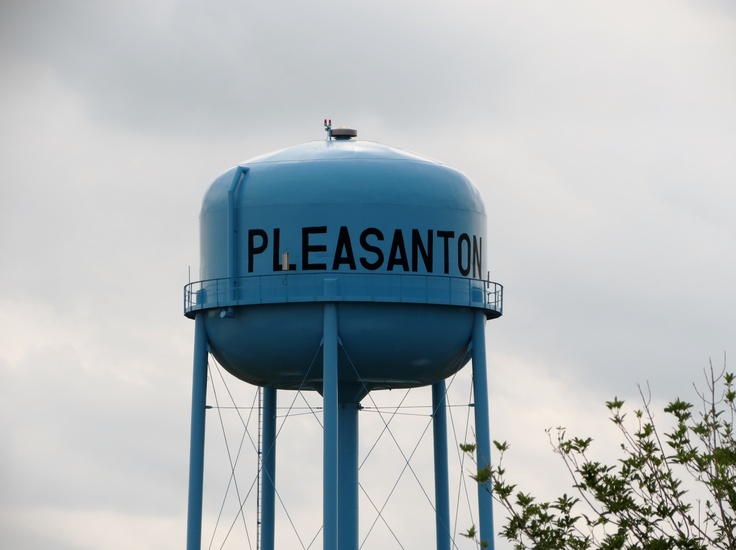 Pleasanton (TX) United States  City pictures : Anderson Pleasanton is a city in Atascosa County, Texas, United States ...