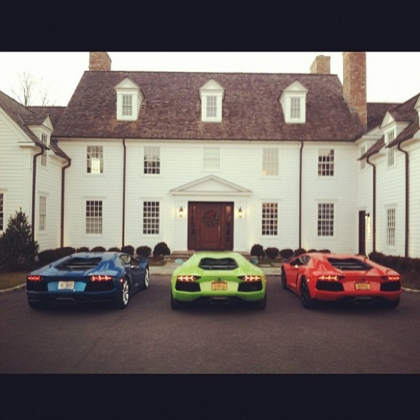 3 Lambo's 1 house how lucky is the owner of this house!