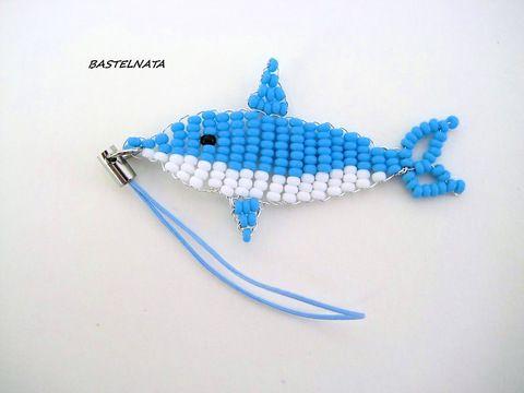 Handyanhänger Delphin by bastelnata, Einen außergewöhnlichen Handyanhänger Delphin. Delphin selbst ist 6cm. lang und der Band ist auch ...