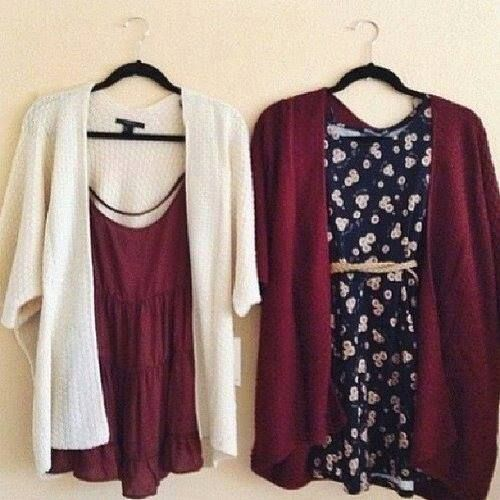Jumpers with 2 colors. Cream and red.
