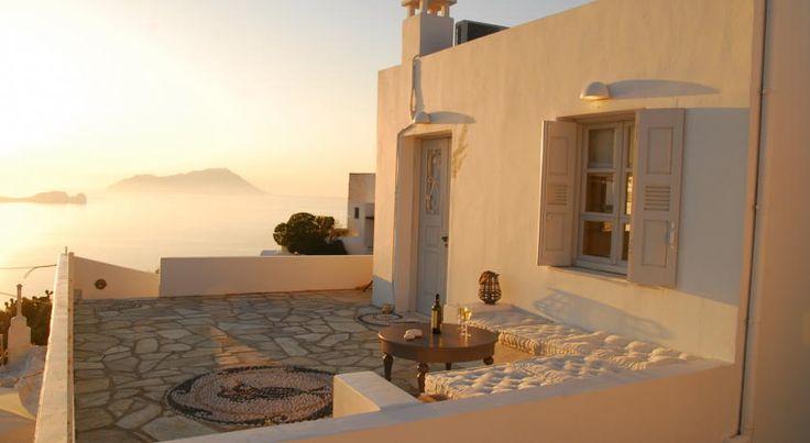 Apartment Archondoula , Plaka, Milos, Greece: terrace at sunset