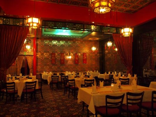 No place in Edmonton does service from the heart like the Lingnan. The owners remember you after one visit, the atmosphere is a feast of kitsch and old-world elegance, and the food is so good it's practically an aphrodisiac. We had our first date here, as well as our engagement party. It's a unique spot for a romantic dinner. Definitely unexpected.  - Misty H