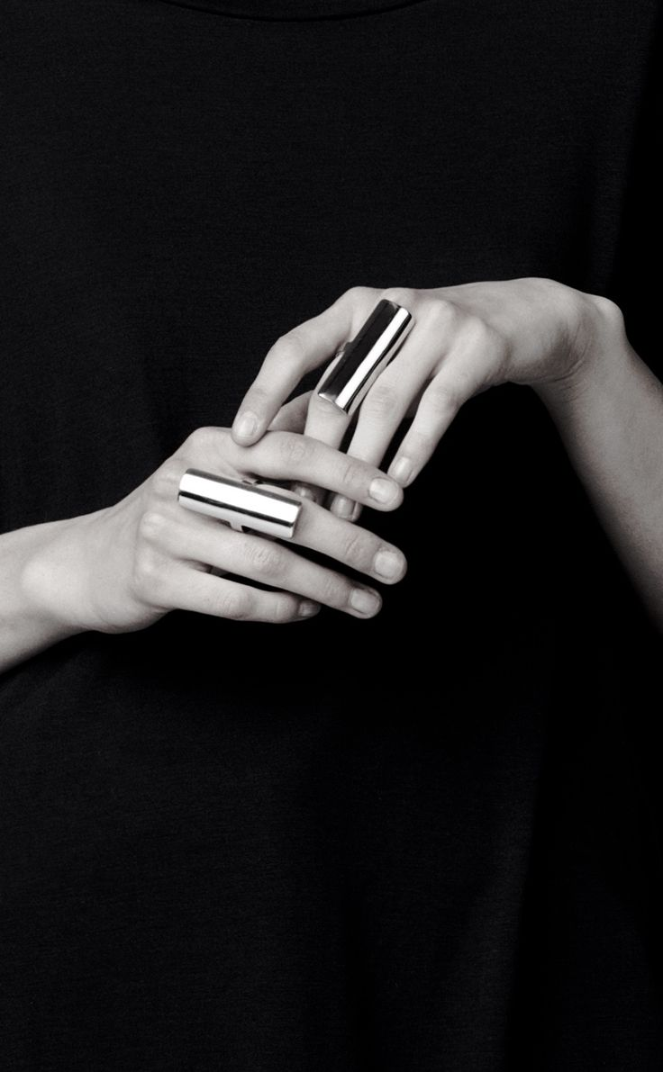 Sleek statement rings; bold minimal jewellery // Malene Birger http://www.thesterlingsilver.com/product/j-r-jewellery-420379-gents-sterling-silver-7mm-tie-slide/