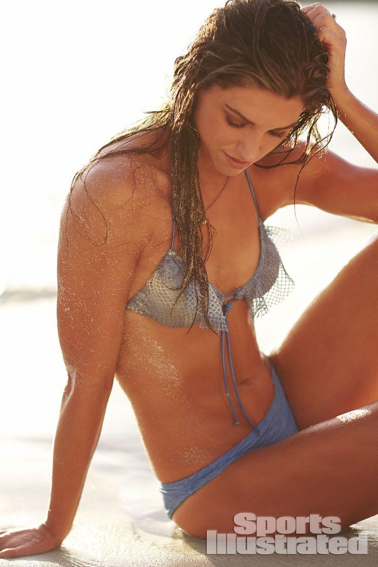 Alex Morgan, Sports Illustrated Swimsuit 2014. (SI.com)