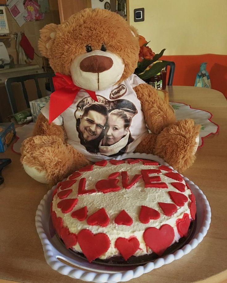 Wonderful birthday presents from my beloved girlfriend and her mum  ___ #mybirthday #girlfriend #love #beloved #cake #food #teddybear #toy #photo #wonderful #cute #cutenessoverload #birthday #slovensko #vrakun #gf #gifts #presents