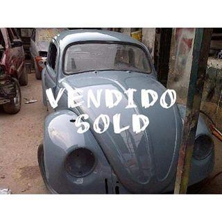 """""""VENDIDO"""" - """"SOLD"""" Volkswagen Escarabajo 1959. Motor y caja originales. Unico dueño. Falta instalar accesorios, mantenimiento de frenos y batería.  #venta #ventas #ventadegarage #ventadegaragevenezuela #garagesale #yardsale #treasurelistings #mercadodepulgas #classic #volkswagen #vw #beetle #vwbeetle #bug #vwbug #typeone #aircooled #oldschoolvw #vintagevw #kdf #kafer #vocho #vosvos #germanbuilt #car #cars #usedcar #auto #autos #dasauto…"""