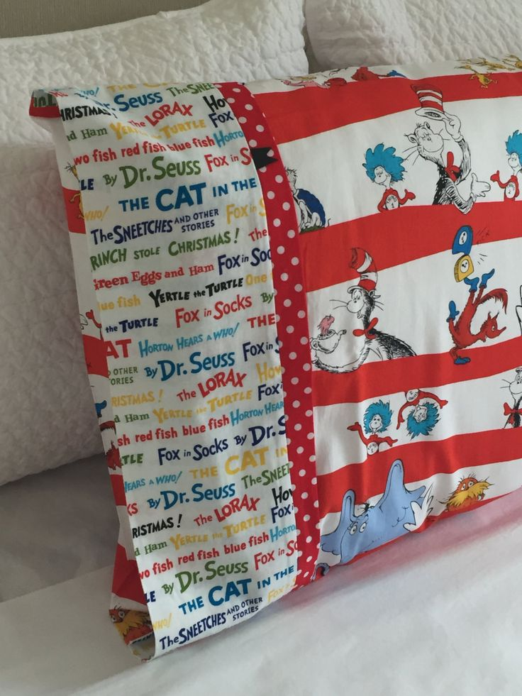 Dr Seuss Pillowcase / Pillowslip by kuronekoetsy on Etsy