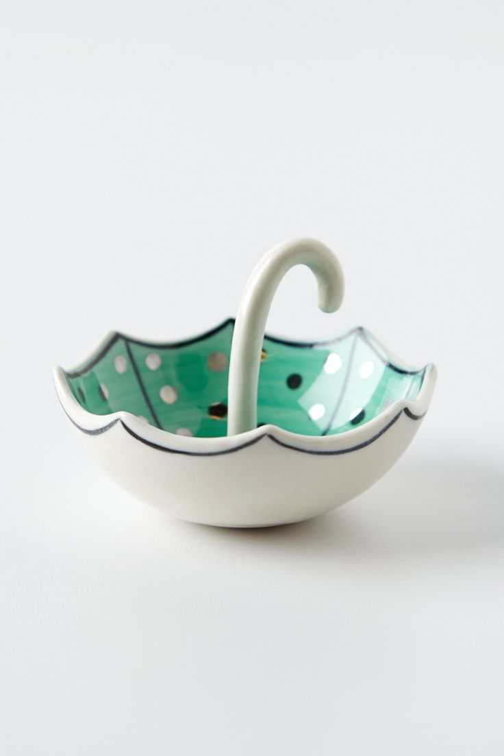 umbrella ring dish- love this and would like this for my kitchen