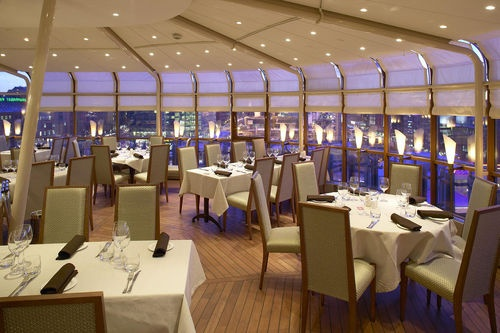 Dine at the rooftop restaurant at Sokos Hotel Vaakuna in Helsinki!