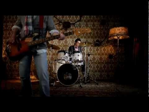 Группа Градусы - Кто ты? (Официальный клип!) - YouTube
