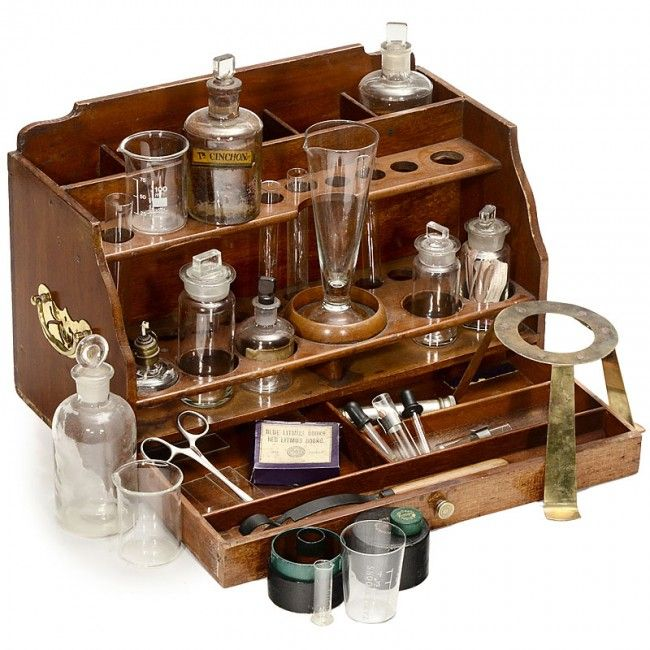 238: Portable Chemistry Lab Equipment, c. 1900 : Lot 238
