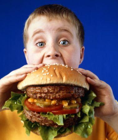 A má alimentação, tem influência no fraco desempenho escolar http://angorussia.com/bemestar/a-ma-alimentacao-tem-influencia-no-fraco-desempenho-escolar/