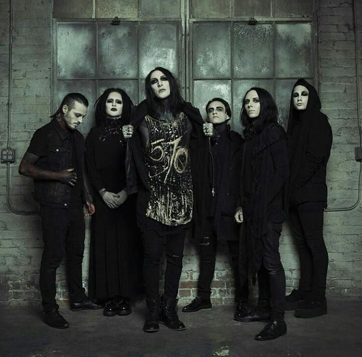 17 best images about motionless in white on pinterest long hair man chris ryan and horror photos. Black Bedroom Furniture Sets. Home Design Ideas