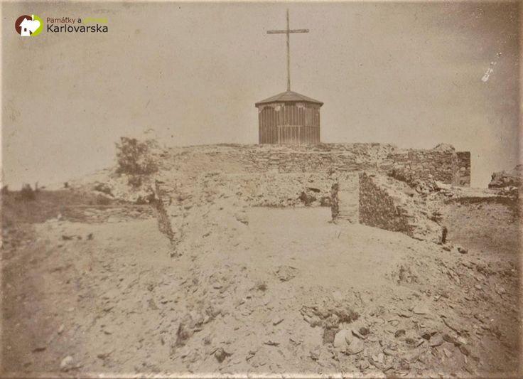 Žlutice - hrad Nevděk   zříceniny hradu Nevděk nad Žluticemi odhalené během archeologického výzkumu v roce 1907; zdroj Muzeum Karlovy Vary