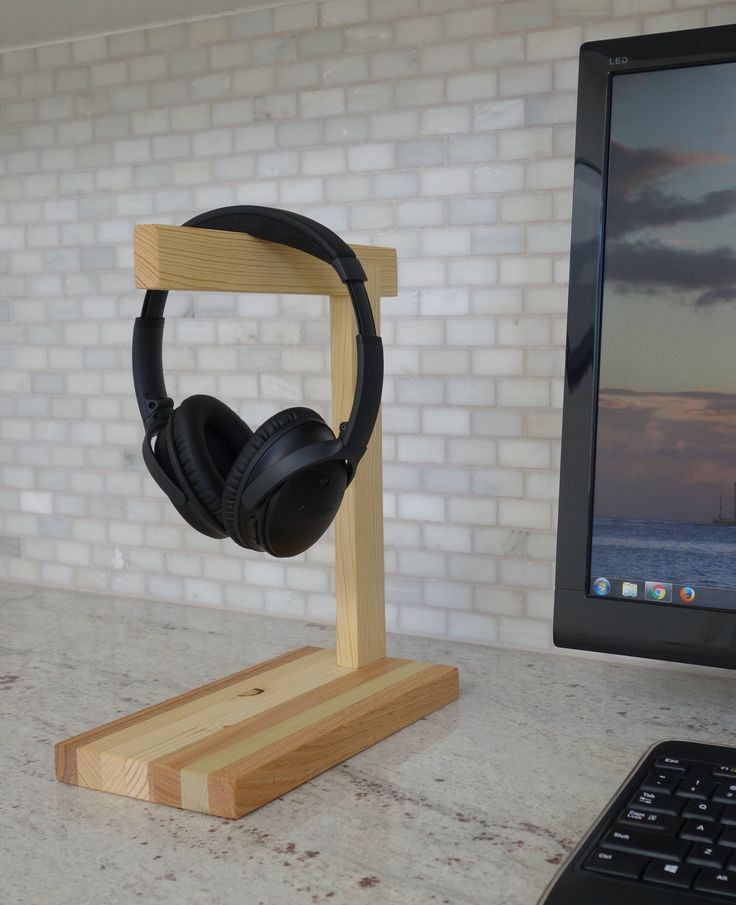 Wood Headphone Stand | The Classic (Mixed Woods)