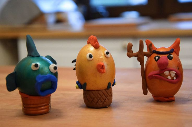 Not very traditional easter eggs but  little bit more funnier than ordinary ones. Video shows how You can make a Easter decorations with Your kids in such way,…