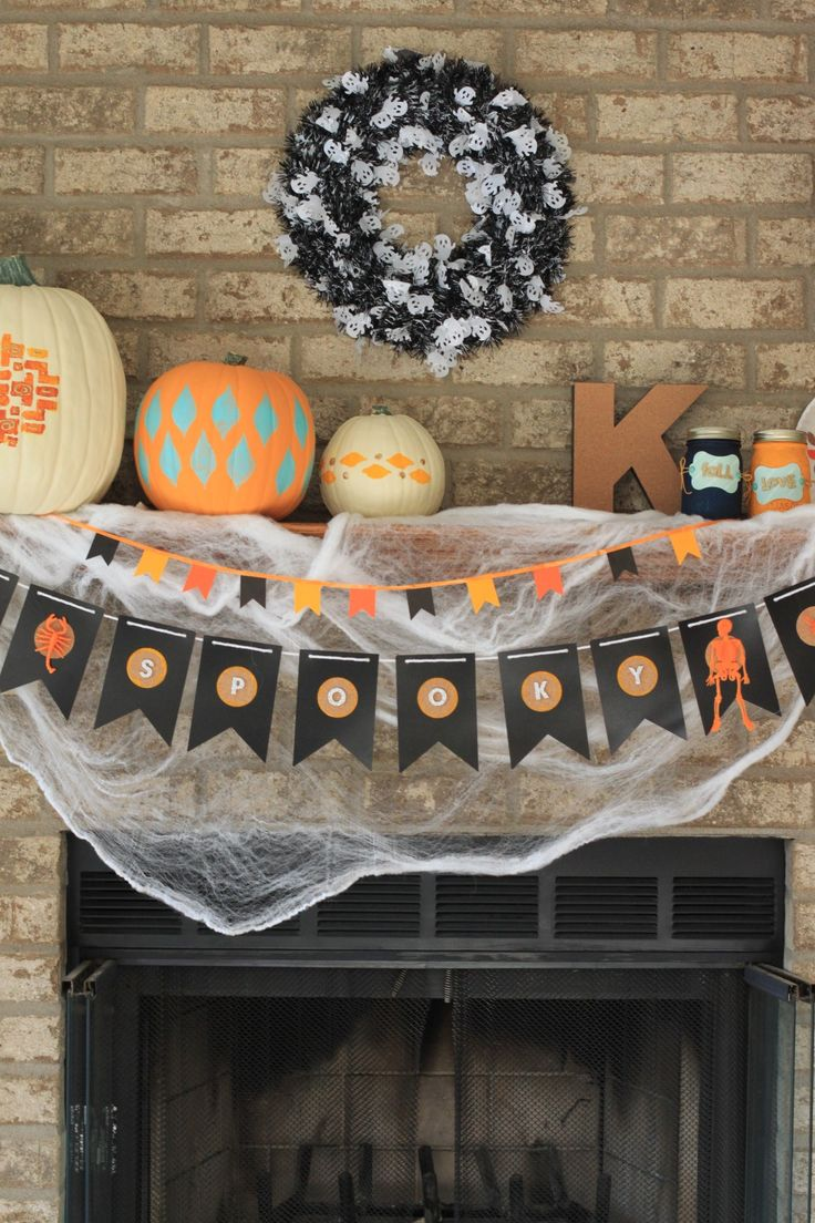 Get your home ready for the spookiest time of year! Our DIY Halloween mantel banner is a crafty way to embrace the holiday spirit. Click in for full instructions.