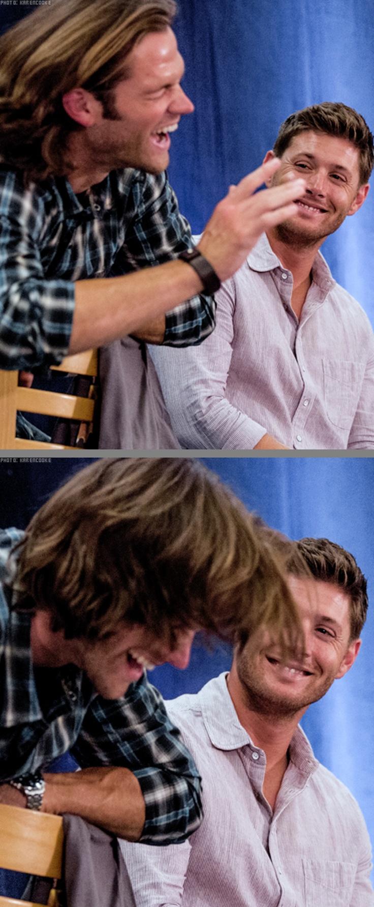 awwww J2 love ♥◡♥ I love it when Jensen takes pleasure in Jared's laughter and viceversa ^_^ || Vancon 2012 #Vancon2012 || Jensen Ackles || Jared Padalecki #Supernatural Convention