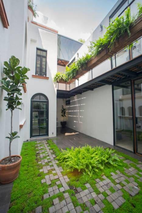 CASA EN HIPÓDROMO CONDESA: Terrazas de estilo Moderno por TW/A Architectural Group