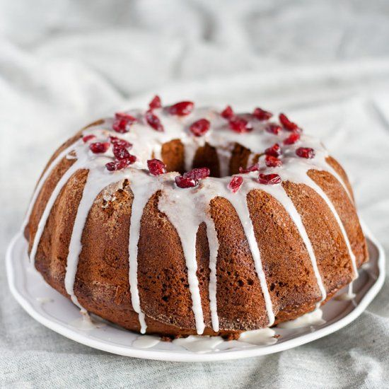 Christmasy gingerbread Bundt cake